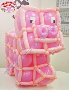 фигура из шаров розовая свинка