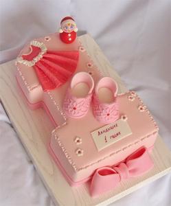 розовый торт на1 год