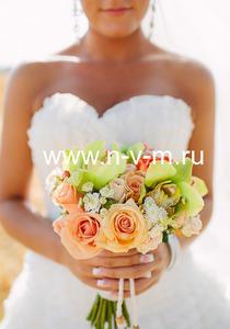 Свадебный букет № 84 Букет из роз, орхидей, хризантемы, свадебный букет в нежных тонах, ножка или по