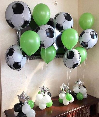 стойки из шаров в виде футбольного мяча