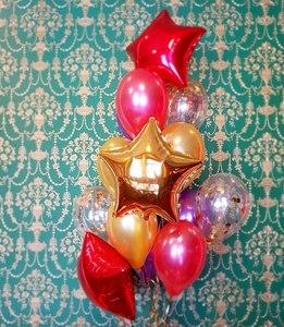 стойка из гелиевых шаров красного и золотого цвета