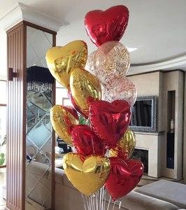 золотые и красные сердца