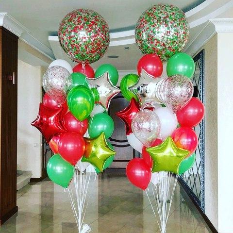 букет шаров из зеленых и красных цветов