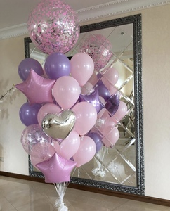 шар гигант с розовыми и сиреневыми шарами