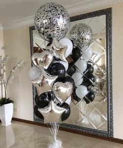 Шар гигант с черными и серебряными шарами