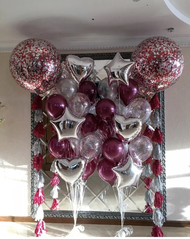 стойки из шаров с бордовыми шариками