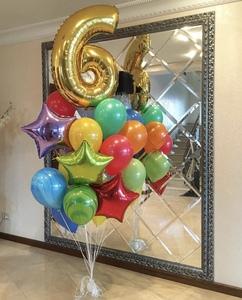 фонтан из шариков с цифрой шесть