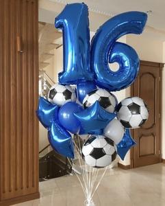 сет с цифрами и футбольными шарами
