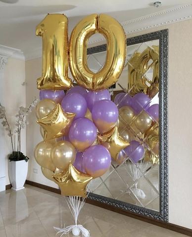 цифра десять и шарики с гелием