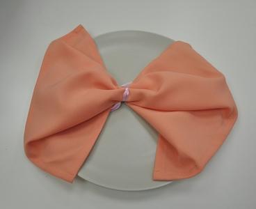 Салфетка персикового цвета