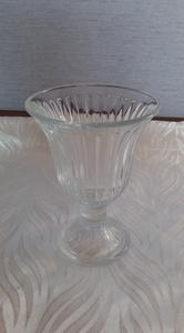 стекляная вазочка для цветов
