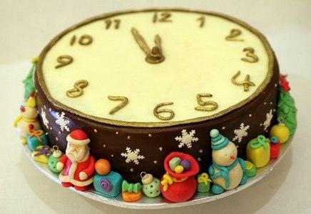 торт новогодние часы