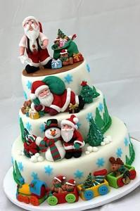 многоярусный торт на новый год