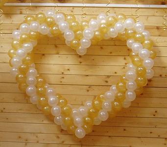 Сердце из воздушных шаров (1 шт)