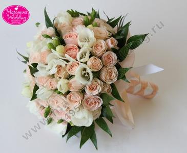Свадебные букеты из маленьких розовых розочек сентября дешевые