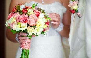 букет невесты и бутоньерка
