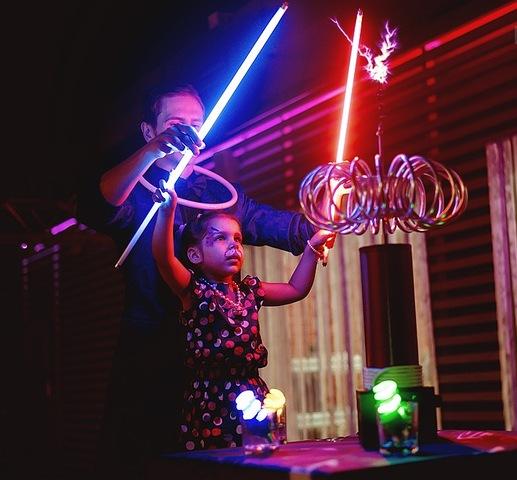знакомство детей с электричеством